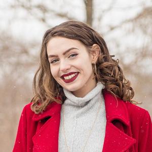 Sarah Klos Headshot